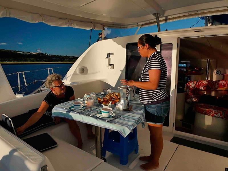 Catamaran-tahiti-cockpit