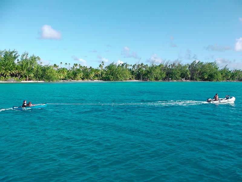 Croisiere-catamaran-tahiti-surfing-fun-2